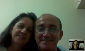 Papai e Mamãe falando comigo no Skype