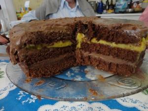 Bolo de Chocolate com Recheio de Maracujá